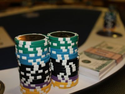 You Need To Start Bluffing In Online Poker